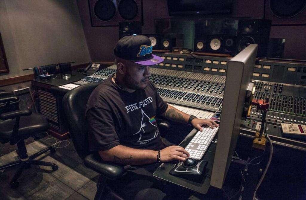 Productor, Compositor y DJ.