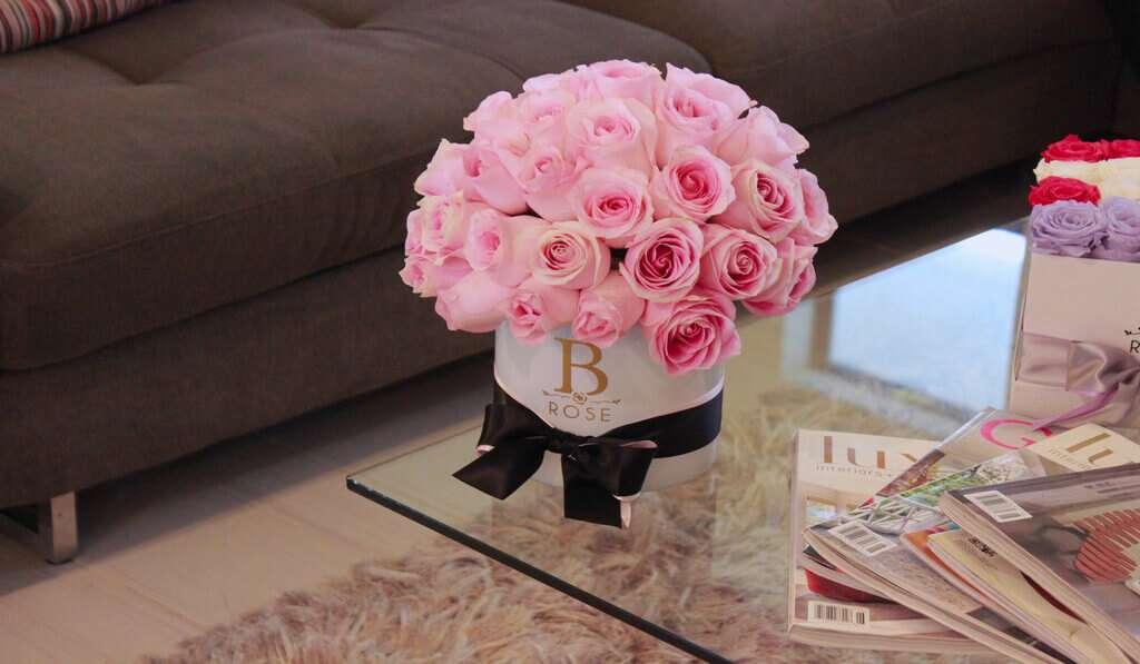 Decoraciones florales B Rose